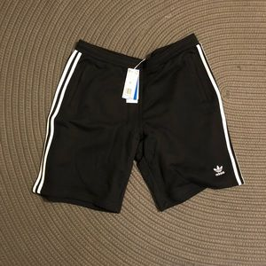 Adidas striped shorts brand new XL